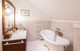 16.manor montignac bathroom
