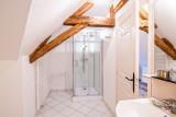 22.manor les eyzies bathroom