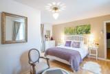 23.manor beynac bedroom