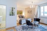27.manor domme bedroom