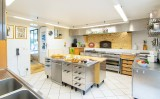 4.Manor Kitchen