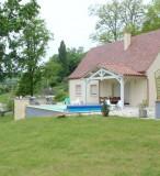 rosalie - piscine privée et chauffée a sarlat
