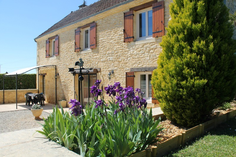 La_Bole_location_charme_proche_Sarlat_avec_jardin2